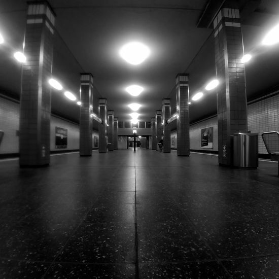 Architecture Berlin EyeEm Best Shots EyeEm Gallery Architectural Column Architectural Feature Architecture Black And White Blackandwhite Photography Bnw_captures Bnw_collection Bnwphotography Built Structure Ceiling discover Berlin Illuminated Indoors  Lighting Equipment Train Station Weilwirdichlieben