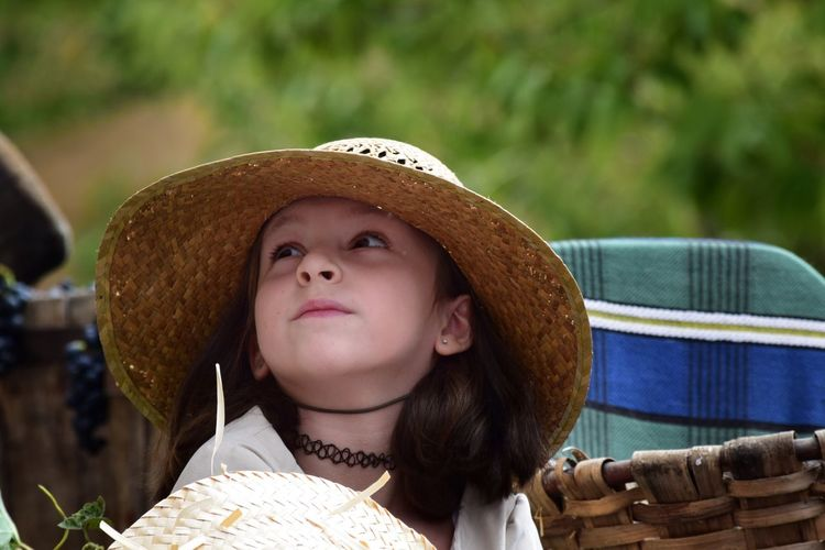 Mirada inocente Real People One Person Hat Headshot Lifestyles Outdoors Day Childhood Sun Hat Focus On Foreground Looking At Camera Portrait Young Women People Portrait Innocence Girl Happy Looking Popular Popular Party Olite Navarra Vintage Photography