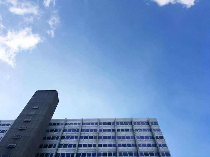 Shades Of Blue Window Shade Tower Windows Reflections Block Office Work Place Function Form Elevator Ascensor Office Building Architecture Building Exterior Low Angle View Built Structure Day Sky City Skyscraper Modern Outdoors Colour Your Horizn