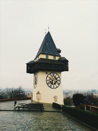 Graz, Austria. This year I've started with a small trip right there. At this picture you can see Grazer Uhturm or clock tower. Although it was a bit rainy day, and even snow started falling, the weather couldn't stop me from learning something new about this place. Name of this city before was Gradec ( given by Southern Slavs), till Germans changed it into name that we all know today-Graz. Schlossberg Graz Uhrturm Discoveraustria Graz Gradec