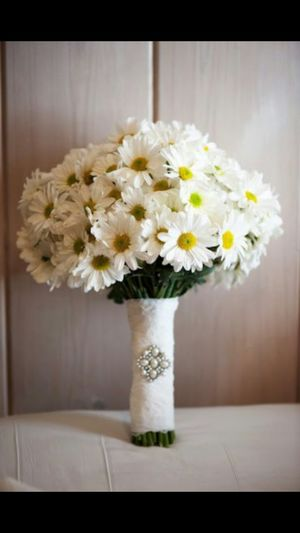 The Most Beautiful Gift Daisy White Daisy Happy Gifts ❤ Flowers Happy People Mother Love Gift Mother Love♡