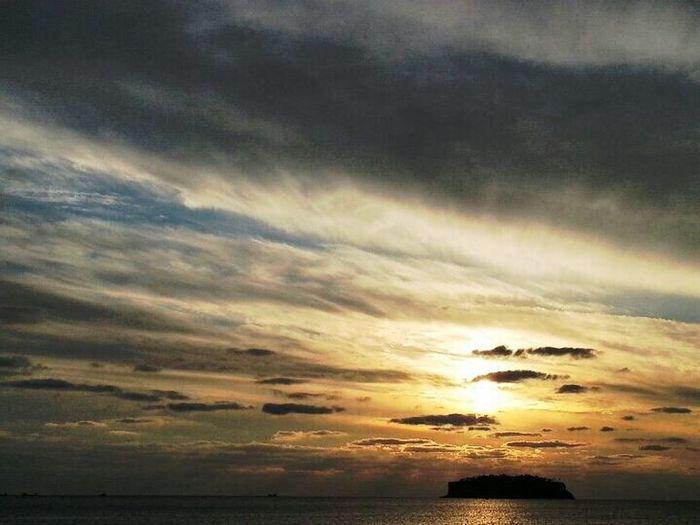 서귀포 범섬 일몰 장면 Seogwipo Sunrise First Eyeem Photo