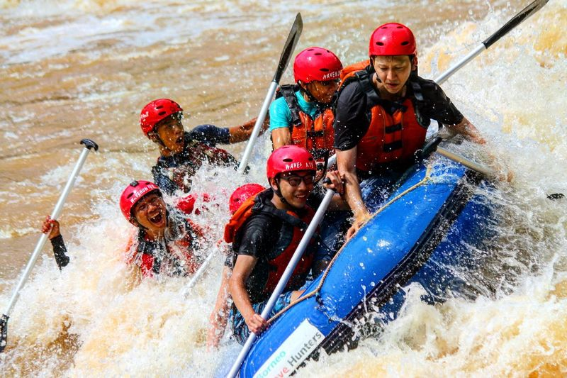 Blessed new year guys !! Another picture 3 JAN 17 white water rafting padas Splashing Outdoors OnlyInSabah Wave Travel Nature Travel Destinations Borneowavehunters Onlyinborneo TanakwaguBolotikon Raftingintheriver RaftingTrip Raftingtime