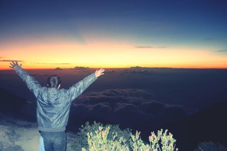 Hikingadventures Mountain Hiking lawu mountain with Bekicot Bekicotgunung Sunset