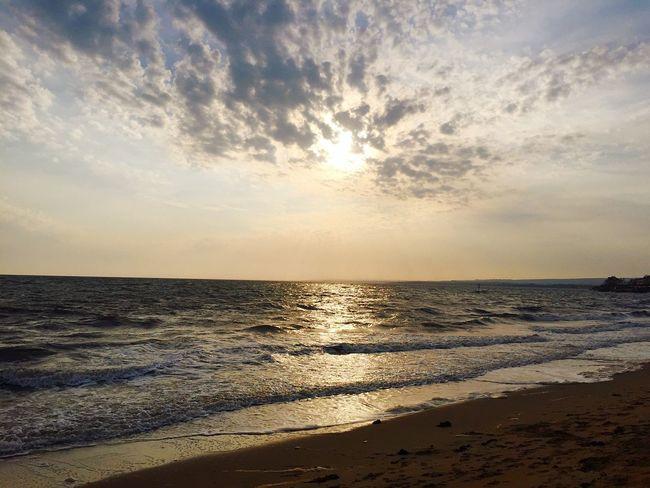 The Great Outdoors With Adobe Portobello Beach, Edinburgh Sunset #sun #clouds #skylovers #sky #nature #beautifulinnature #naturalbeauty #photography #landscape Sunrise_sunsets_aroundworld Edinburgh Eye Em Scotland