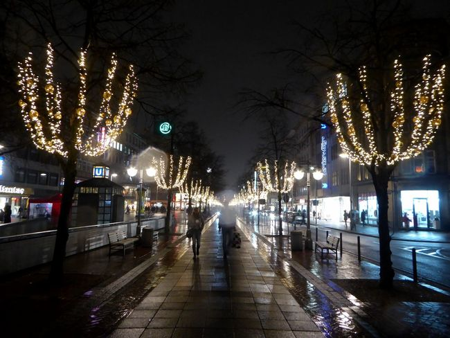 Xmas Illumination Weihnachtszeit Impressions Hannover-City For My Friends 😍😘🎁 Christmas Decoration Christmas Lights Illuminated Street Light City Life City