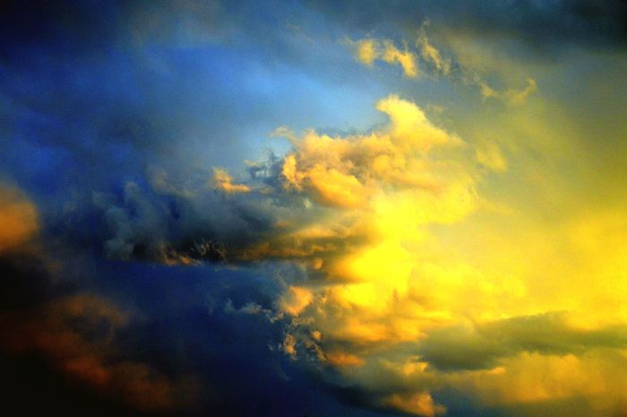 Art Picturesque Clouds Colors Hurricane Storm Germany Olefingirl EyeEm New Here EyeEm Nature Lover Cloud - Sky Sky Beauty In Nature Dramatic Sky Nature Cloudscape Scenics Atmospheric Mood Weather Majestic Backgrounds Outdoors No People Blue Yellow Sunset Tranquility Tranquil Scene Sky Only Low Angle View
