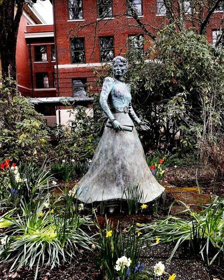 Alice Biddle, first woman to graduate from Corvallis College, which would later become Oregon State University Women Who Inspire You Education Statue Bronze Statue College University Campus Follow Your Dreams Art Springtime Spring Spring Flowers Pacific Northwest  Oregon