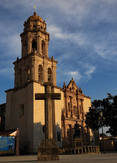 Church Architecture Bell Tower Building Exterior Built Structure Church Architecture Iglesia Iglesia Católica  Outdoors Place Of Worship Religion Spirituality Travel Destinations