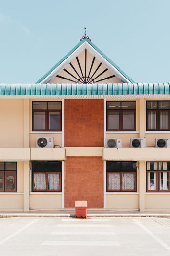 Krabi Bus Station Architecture Architecture Architecture_collection Blue Sky Building Exterior Built Structure Clear Sky Day Façade No People Outdoors Pastel Sky Thailand The Architect - 2017 EyeEm Awards Break The Mold The Architect - 2017 EyeEm Awards