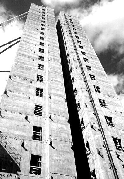 Manchester Construction Architecture Building Built Structure Tall - High Clouds And Sky Clouds Sky Look Up Blackandwhite Black And White Summer Buildings