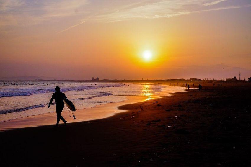 江ノ島 ×サーファー 江の島 サーファー 海岸 Sunset Sea And Sky First Eyeem Photo Surf's Up