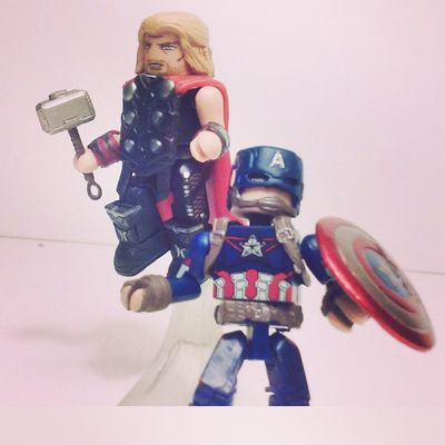 Here they are free from their packaging Cap and thor ready to kick butt! Minimates Diamondselect Figurelife Figurecollecting Ageogultron Avengers Manchild Captainamerica Thor  Steverodgers Mcu Marvelcomics Avengers2 Collector Manchild