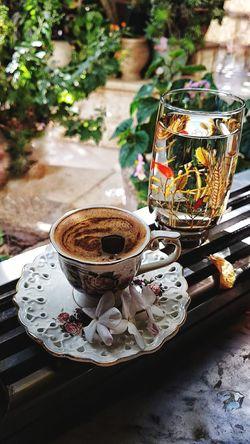 très bonne café .. très bonne journée Maison Cafe Tasse Verre Eaux Ensoleillées Jour Drink Coffee - Drink No People Day Tea - Hot Drink Outdoors Freshness