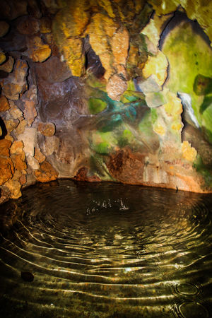 Check This Out Estalactita EyeEm Gallery Stalactite  Beauty In Nature Cave Close-up Cueva Droplets Malephotographerofthemonth Moss Nature No People Reflection Rock - Object Water Waterfront