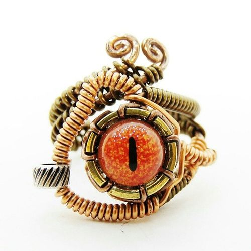 Handmade wire rings, rings by Dereck Morales IG @keoops8 Steampunk Steampunk Rings, Eye Rings Wire Jewelry Steampunkfashion Close-up Rings Eyes Aligator Eye Cooper Wire Fashion First Eyeem Photo