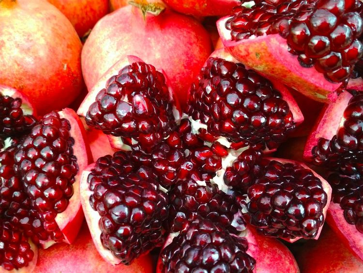 pomegranate Red Juice Wall Healthy Vegan Vegan Food Tasty Delicios Yellow Green Cuisine Vegetarian Fruit Pomegranate Healthy Eating Pomegranate Seed Food Food And Drink Red Cross Section Freshness Halved Seed Close-up Pitaya Blood Orange Full Frame Indoors  Day No People