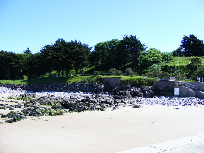 Beach Beach And Sky Beach Photography Beauty In Nature Clear Sky Nature Rocks Sea Sea And Sky Seaside Sky South Wales South Wales Coast Tenby Tenby, Pembrokshire