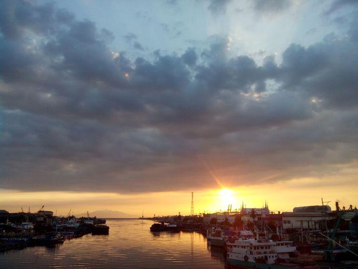 Sunset Pier Harbor Harbor View Pasigriver Port Area Manila, Philippines Shipping