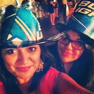 Gotta Love my babygirl Vanni... Shes always there for me awww Viejaa te kieroo Memories Funtimes Budlighthat Hat friendship bffs bfffs