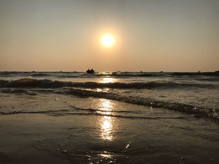 #sunset #sun #clouds #skylovers #skyporn #sky #beautiful #sunset #clouds And Sky #beach #sun _collection #sunst And Clouds Sea Sun Beach Sunset Horizon Over Water Water Beauty In Nature Reflection Nature Vacations