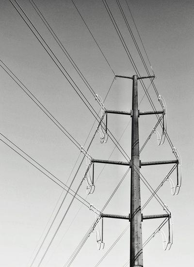 Power Lines Diagonals black