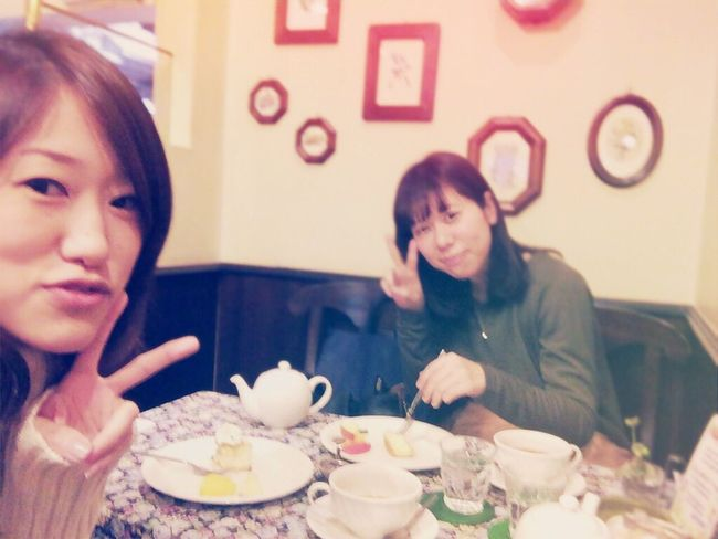 Enjoy cake and tea with my friend :) University Time Friend Cake