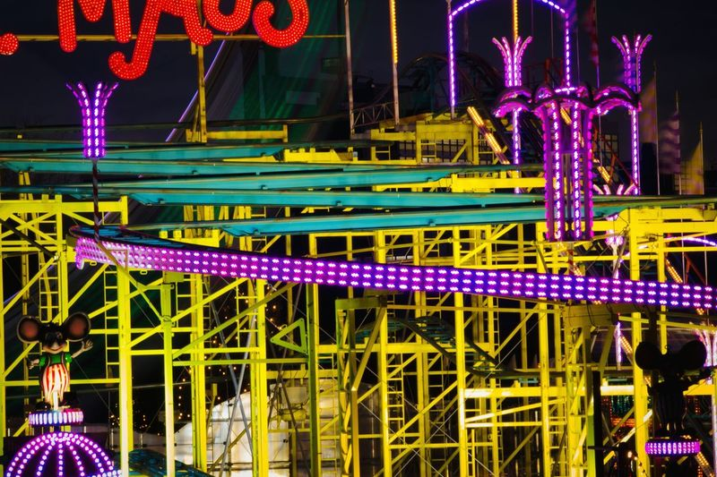 Fun Ride Construction Yellow Nightphotography Night Lights Darkness And Light Typo Around The World Funfunfun Wonderland Night View Fairground Light In The Darkness Electric Light Abstract Heat Of The Night All The Neon Lights Muster Mix EyeEm Best Shots My Eyes For Architecture Flyfish Album Urban Exploration My Favorite Photo EyeEm Masterclass Neon Lights Colors Of Time