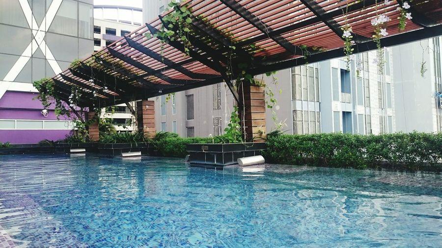 Mode Shatorn Hotel 無邊際泳池。我的泰國度假假期。