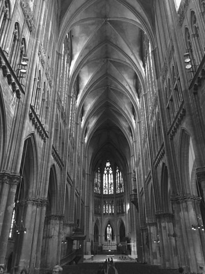 La Cathedrale de Metz Metz, France Cathedral Church Architecture Spirituality B&Bs Grand Adventure Looking At The Ceiling Ceiling France