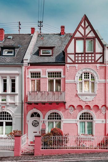 House in Boppard / Germany Old-fashioned Germany Architecture Boppard Rosa Pink Color Pink Background Rosé Photography EyeEm Gallery Golf Club City Red Business Finance And Industry Steel Sky Architecture Building Exterior Built Structure Scaffolding Crane - Construction Machinery Victorian Style Construction Site Construction Residential Structure Incomplete Façade Construction Equipment Construction Machinery Colonial Style