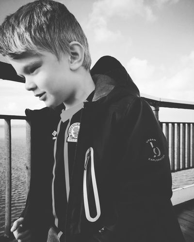 boy Huaweiphotography Huawei P20 This Is England Blackandwhite Child Childhood Girls Sky Thoughtful Caucasian Winter Coat