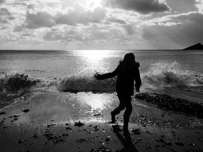 Sea Beach Water Horizon Over Water Wembury Beach Wembury Sky Sand Nature Leisure Activity Silhouette Scenics Motion Cloud - Sky One Person Silhouette