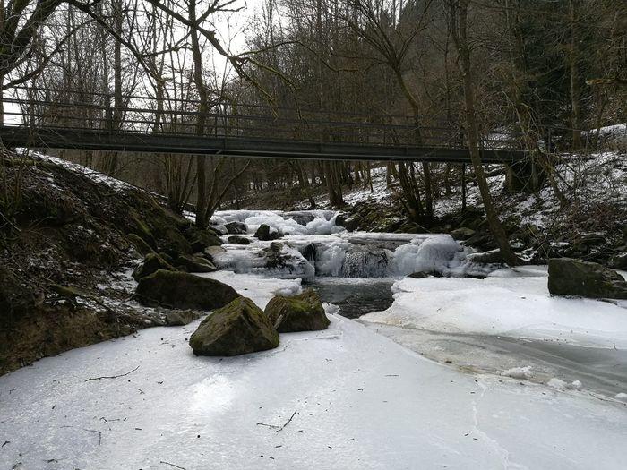 Zugefrorene Sieg bei Netphen Deuz Winter Sieg Eiskalt Netphen Siegerland Wasserfall