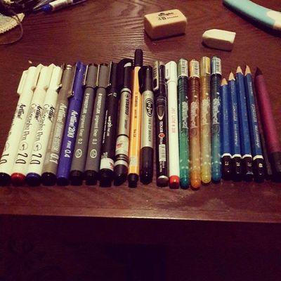 Tiền bạc xương máu trong ni mất đống ni chắc là khóc ròng luôn :)) Pen Pencil Artline Staedtler uni stabilo