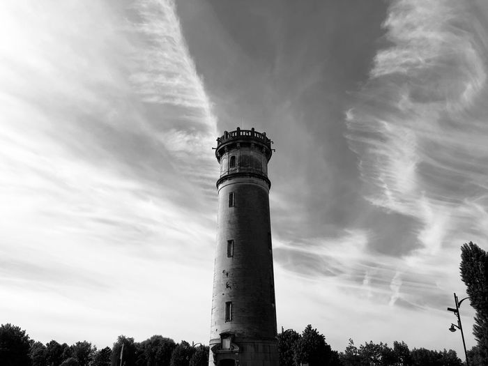 EyeEm Selects Sky Low Angle View Cloud - Sky Architecture Built Structure Tower Architectural Column Day Memorial Monument The Past History EyeEmNewHere EyeEmNewHere