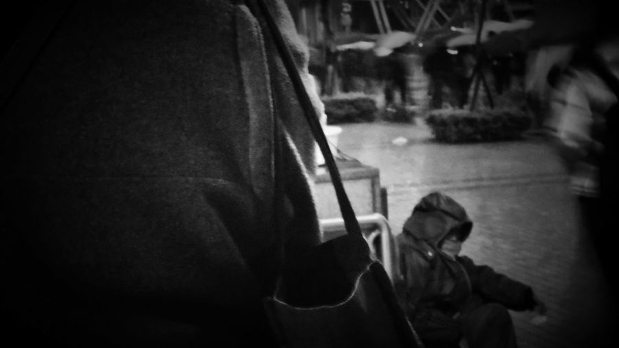 2018/3/8 街拍獵影~~街賣老婦 於府中捷運站 Old Woman Street Sale Taiwan Bw Bw_lover BW_photography B&w Photo B&w Bw Photography B&w Photography Bwphotography Streetphotography Street Street Photography Streetphoto_bw Street Scene Streetphotography_bw b&w street photography Nightlife Night Nightphotography Rain Rainy Days Rainny Day Low Section Warm Clothing EyeEmNewHere