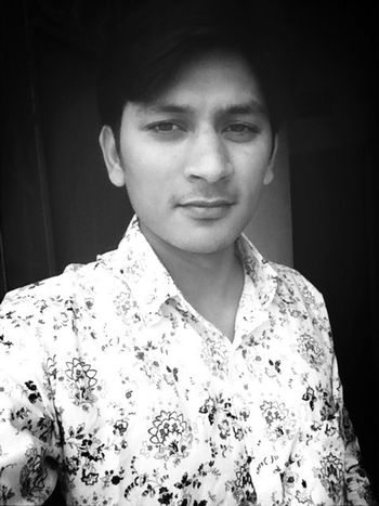 Cool Blacl And White Model Salfie