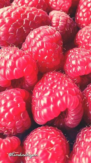 Lecker Himbeeren Red Fruits Raspberry Raspberries Fruit Fruits ♡ Obst Himbeeren Himbeere <3  Glücklich ☺️ Yummy ♥ Yummy Food Leckerschmecker Lecker ❤ EyeEm Gallery Enjoying Life