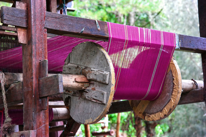 Colors Fabric Handmade INDONESIA Localproduct Loom Mirrorless Pink Sumatra  Traditional Weave Weaving Wood Still Life StillLifePhotography Travel Photography Traveling