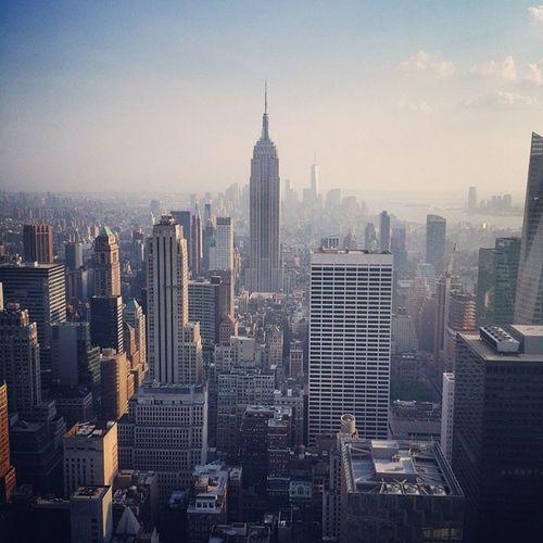Вид на самое прекрасное здание города с Rockfeller Cbs NY NYC view skyscraper EmpireState