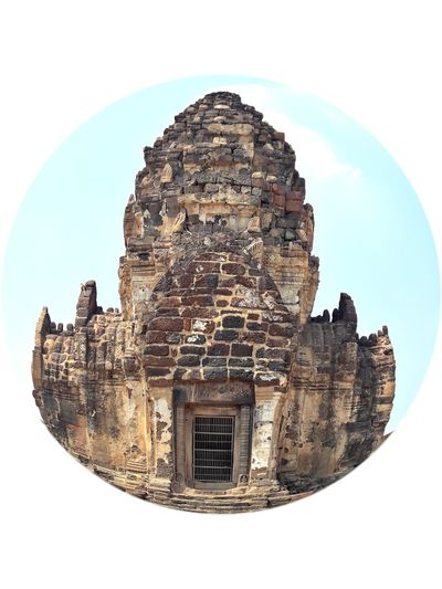 Phra Prang Samyod Amazing Leisure Activity Thailand Lifestyles Daily Life Photography Light Art Temple Location Old Buildings Photooftheday Buddha Lopburi City Sky Close-up Architecture Historic Civilization Historic Building History