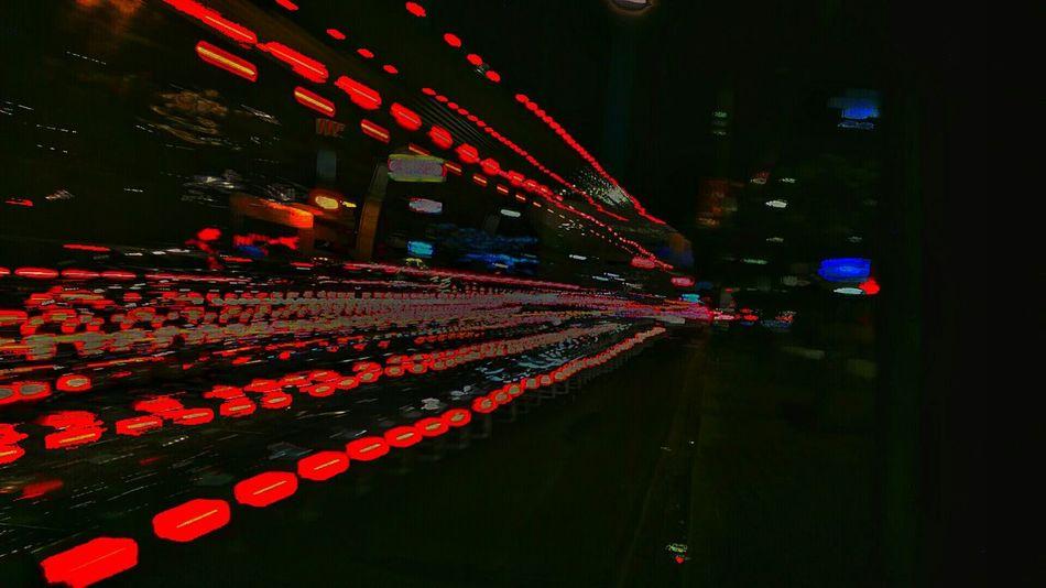 Escape de luz Red Painting Lihgtpainting Nightphotography Nightlights Art Enjoying Life