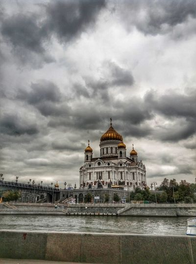 No People Cloud - Sky Architecture Travel Destinations Sky Travel Tourism Dome Religion Built Structure History Outdoors Day City Storm Cloud Politics And Government Building Exterior Water Nature Cityscape ХрамХристаСпасителя City Life