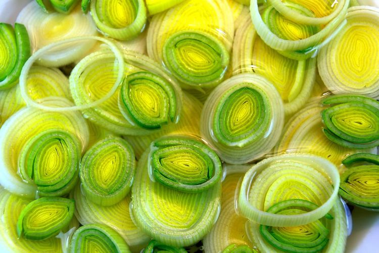 Slices f leek