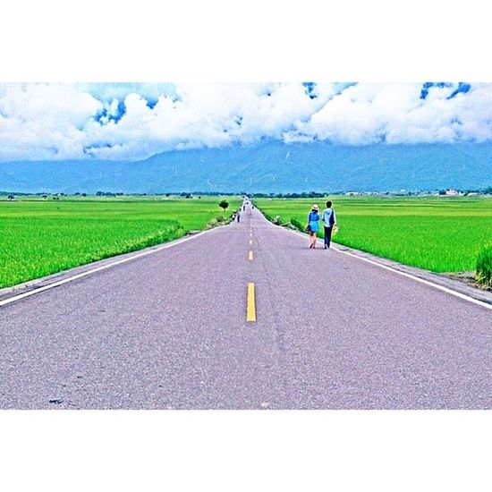 伯朗大道 瘋狂一群人 熱血青年 懷念 台東 鹿野 關山 池上 熱氣球 阿丁早點 臭豆腐 伯朗大道 情侶閃照 Summer Vacation Girls Graduate Village Landscape Taiwan Taitung My Year My View