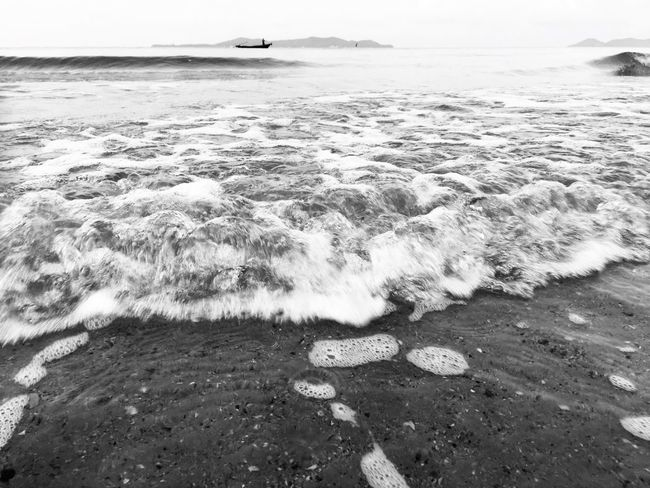 Movement of the beach 🏝 Thailand Blackandwhite Photography Blackandwhite Water Sea Beach Land Scenics - Nature Nature Beauty In Nature No People Motion Outdoors Day