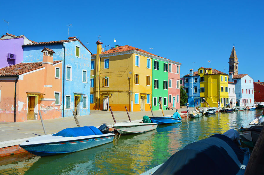 Colored houses Burano, Venice, italy Architecture Building Exterior Burano Burano Colored Houses Burano Colorful Burano Colorful Houses Burano Island Burano Italy Close To Venice . Perfect Place For Pastel Colors And Blue Sky . Dolce Vita Colourful Colourful Houses Old Houses Burano Venezia Burano Venice Burano, Italy Burano, Venice Burano, ıtaly Canal Venice Characteristic Houses Colored Colored Houses Colorful Houses Day Magic Atmosphere No People Outdoors Venezia Venice Venice, Italy Water Adapted To The City