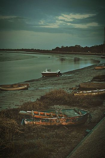 Soft Focus Boat Boats Old Boat Abandoned Boat Estuary Low Tide Squelchy Mud Promenade Evening Light Evening Walk