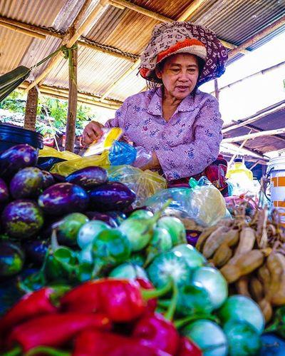 Fresh vegies. Sony a7 experience @ Wat Oudong. Sony A7s Sonyalpha Sonyimages SonyA7s Sonycamera Sonyphotography Theappwhisperer Adventurevisuals GoodRadShot Fhotoroom PicHitMe EyeEm EyeEm_O MenchFeature Photography Pixelpanda Visitorg Aop_Lab Yourworldgallery SeeOurWorldNow Runningtheworld Natgeo Natgeotravel Natgeoyourshot Cambodia PhnomPenh @fhotoroom_ @pichitme @goodradshot @street_hunters @pixel_panda_ @eyeem_o @photocrowd @photoadvices @worldphotoorg